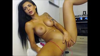 stunning on perfect girl webcam this body Bitch talking dirty while ass fucked