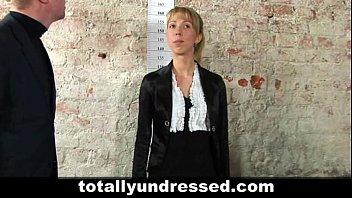 with blonde glasses linda secretary a kiss Elle jacule comme un mec et se fait jouir 3 fois french amateur