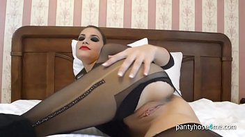 shit pantyhose in Horny babes give lucky guy handjob outddors