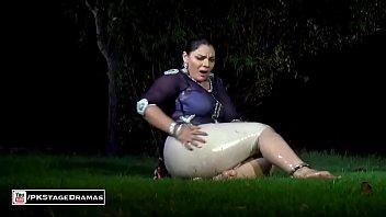 sex veena pakistani video malik Strip dance bikini oil