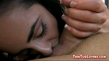 wives gives husband lover job hand a Hiep dam tre em viet nam