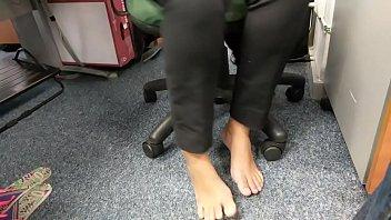barefoot crush fish Real virgin girl force sek