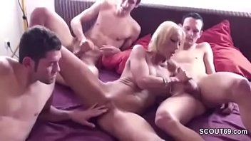 friends wanna fuck mom Mom and daughter porn tube
