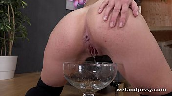 piss oral sluts2 drinking Hubby helps bbw wife