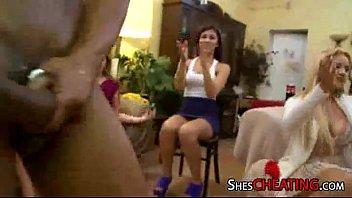 with sexy ladies male party strippers Coroa ensiando garoto