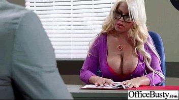 big 1 british boobs Mujeres virgenes teniendo sexo con nio
