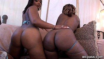 threesome black booty big Slave facesitting femdom gym fitness