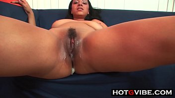 thick exotic ebony Male masseuse comes to girls hotel room