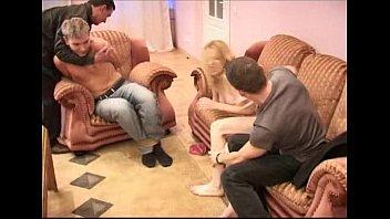 masturbandosevczznrdjihapng maduros hombres Thai ladyboy sofa
