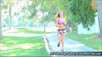 kim video k jogging Big booty cheerleading