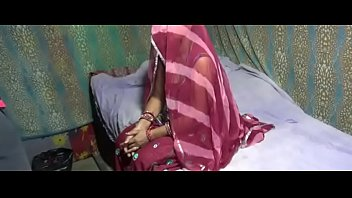 indian south and rpbbie meena Girl kisses self in mirror